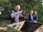 Hírkép: Közösségi akció részeként tették rendbe a pentelei kistemetőt